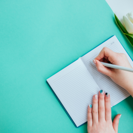 5 Ways to Declutter and Organize Your Life For 2021